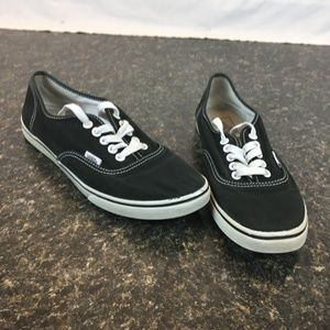 Black VANS OFF THE WALL size 10